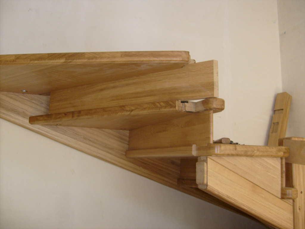 Крепление деревянных лестниц своими руками 80